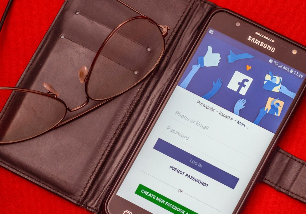 La vente en ligne via Facebook Shops